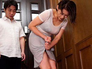 【NTR】友田真希│『久しぶりだから…ゆっくりして』暴風雨で濡れた嫁の母のエロボディを見た息子が暴走